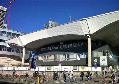 Zentrale Warszawa Bahnhof